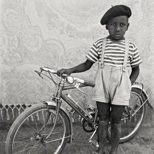 Seydou-Keita-trois-raisons-d-aller-voir-la-retrospective-du-portraitiste-africain